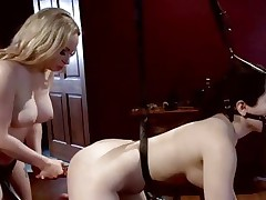 Dominatrix Aiden Starr likes toying her partners ass