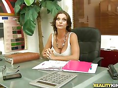 brunette milf got seduced into a valuable fuck